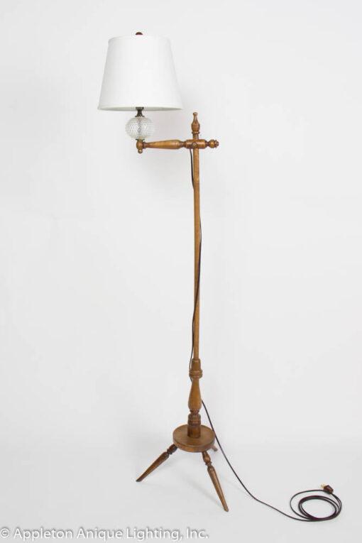 F154 Vintage Cottage Wooden Floor Lamp