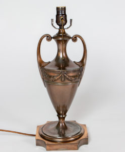 T285: Red Bronze Pairpoint Urn Table Lamp